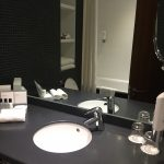 Crowne Plaza Docklands Bathroom
