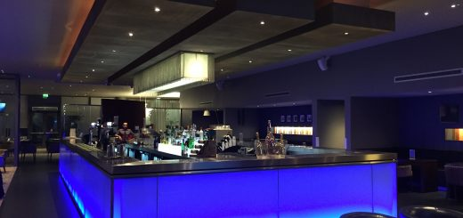 Crowne Plaza Docklands Bar