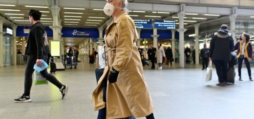 Face Mask on Eurostar